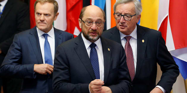 European Parliament President Martin Schulz walks with European Council President Donald Tusk (L) and European Commission President Jean-Claude Juncker ahead of a EU-Ukraine summit in Brussels, Belgium, November 24, 2016. REUTERS/Francois Lenoir