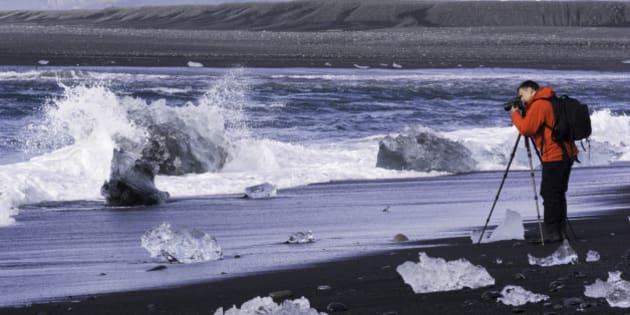 Jökulsárlón (Icelandic pronunciation:
