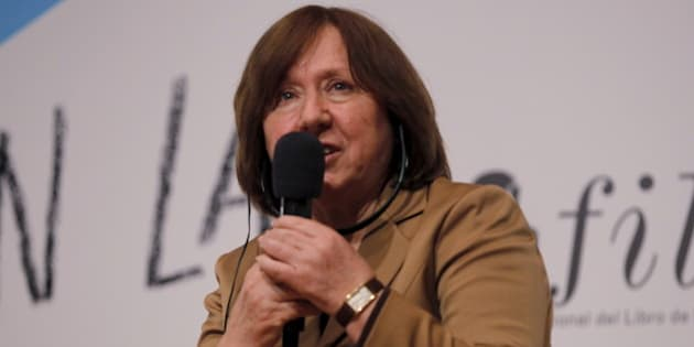 The 2015 Nobel literature laureate Svetlana Alexievich speaks during a meeting at the 29th International Book Fair or FILBO in Bogota, Colombia, April 21, 2016. REUTERS/John Vizcaino