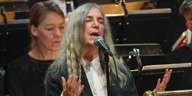 US singer Patti Smith performs 'A Hard Rain's A-Gonna Fall' by absent Literature prize winner Bob Dylan during the awardings of the Nobel Prizes in medicine, economics, physics and chemistry on December 10, 2016 in Stockholm, Sweden.