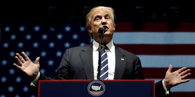 "U.S. President-elect Donald Trump speaks at a ""Thank You USA"" tour rally in Grand Rapids, Michigan, U.S. December 9, 2016.  REUTERS/Mike Segar"