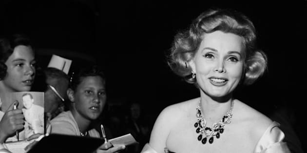 LOS ANGELES - CIRCA 1958: Actress Zsa Zsa Gabor in Los Angeles, California.  (Photo by Earl Leaf/Michael Ochs Archives/Getty Images)