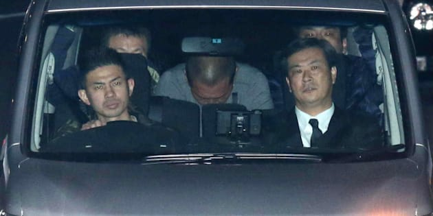 Former Japanese baseball star Kazuhiro Kiyohara (C) is transported into the Tokyo metropolitan police headquarters early on February 3, 2016. Former Japanese baseball star Kazuhiro Kiyohara has been arrested on suspicion of possessing stimulant drugs, Tokyo police said on February 3, 2016, in a humiliating fall from grace for the one-time sporting idol.  The 48-year-old former Yomiuri Giants slugger, once one of the biggest names in Japanese baseball, was taken into custody and accused of possession of approximately 0.1 grams of an undisclosed substance after police raided his home in the plush Azabu district of Tokyo late on February 2.   JAPAN OUT  --   AFP PHOTO / JIJI PRESS / AFP / JIJI PRESS / JIJI PRESS        (Photo credit should read JIJI PRESS/AFP/Getty Images)