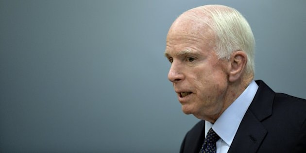 US Republican Senator for Arizona John McCain delivers a message to the media at the Benjamin Franklin library at the US embassy in Mexico City on December 20, 2016. / AFP / PEDRO PARDO        (Photo credit should read PEDRO PARDO/AFP/Getty Images)