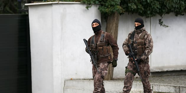 Police special forces patrol outisde the Reina nightclub which was attacked by a gunman, in Istanbul, Turkey, January 3, 2017. REUTERS/Osman Orsal