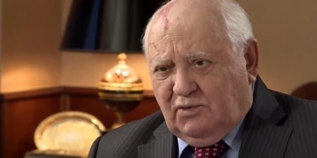 """Gorbachov: """"Parece que el mundo se está preparando para una guerra"""""""
