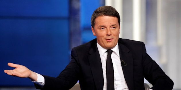 """Italy's Prime Minister Matteo Renzi gestures as he attends television talk show """"Porta a Porta"""" (Door to Door) in Rome, Italy, November 30, 2016.  REUTERS/Remo Casilli"""