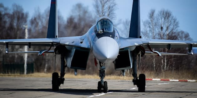 PRIMORYE TERRITORY, RUSSIA - APRIL 7, 2017: A Sukhoi Su-35S multirole fighter aircraft seen after performing a flight during the 2nd qualification round of the 2017 Aviadarts contest of military pilots at Tsentralnaya-Uglovaya airfield. Pilots conduct air reconnaissance, perform aerobatics, penetrate air defense system and engage ground targets during the competition. Yuri Smityuk/TASS (Photo by Yuri Smityuk\TASS via Getty Images)