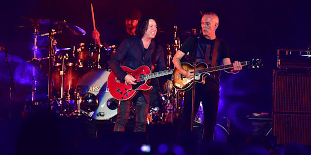NEWARK, NJ - JUNE 17:  (L-R) Roland Orzabal and Curt Smith of the group Tears for Fears perform during the Daryl Hall & John Oats And Tears For Fears Concert at the Prudential Center on June 17, 2017 in Newark, New Jersey.  (Photo by Brian Killian/Getty Images)