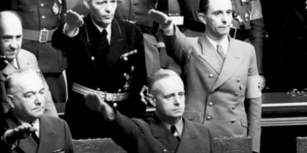 Reichstagsitzung in der Kroll-Oper, Joseph Goebbels und Joachim von Ribbentrop, Hitler-Gruß; keine PK-Angabe | original title  | biased ...