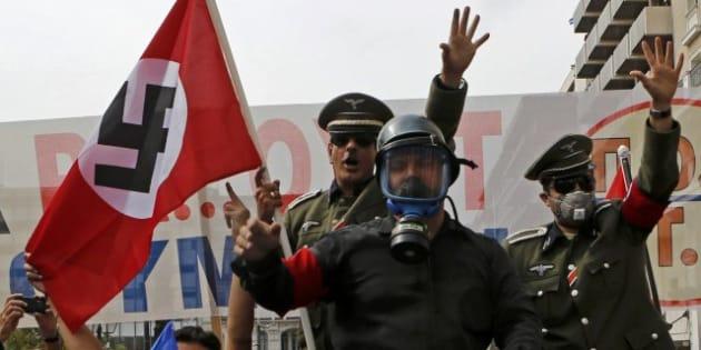 Hasta 25.000 personas protestan en Atenas contra Angela Merkel y su ...