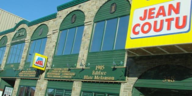 Description Un Jean Coutu , entreprise québécoise , au Nouveau-Brunswick .  A Jean Coutu , a Québécois  company, in New Brunswick . |  ...