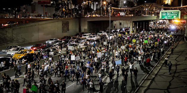 LOS ANGELES, CA - NOVEMBER 10: Anti-Trump protesters flood the 101 freeway as they protest the President-Elect Donald Trump in Los Angeles, Calif., on Nov. 10, 2016. (Photo by Marcus Yam/Los Angeles Times via Getty Images)