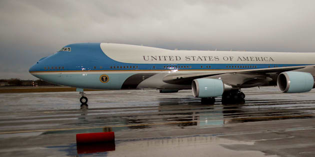 BERLIN, GERMANY - NOVEMBER 18: A red carped is rolled out for U.S. President Barack Obama boarding Air Force One as he departs following talks with European leaders on November 18, 2016 in Berlin, Germany. Obama is on his last trip to Europe as U.S. President. (Photo by Carsten Koall/Getty Images)