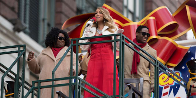MACY'S THANKSGIViNG DAY PARADE -- Pictured: Mariah Carey performs with backup singers -- (Photo by: Eric Liebowitz/NBC/NBCU Photo Bank via Getty Images)