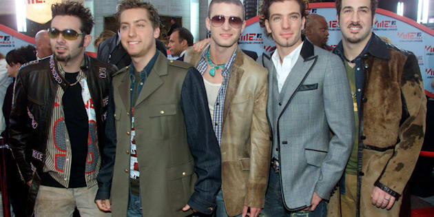 The music group 'NSync arrive at the MTV Video Music Awards in New York, September 6, 2001. From left to right are: Chris Kirkpatrick, Lance Bass, Justin Timberlake, JC Chasez and Joey Fatone. REUTERS/Peter Morgan PP05050057  JP