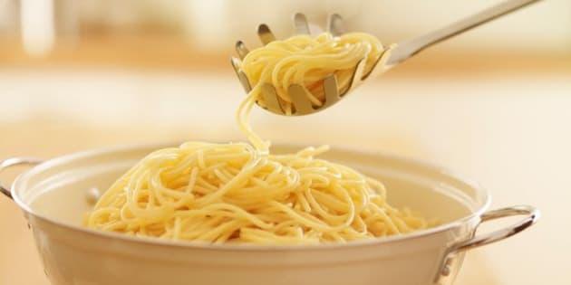 para qué sirve el agujero de la cuchara para espaguetis?