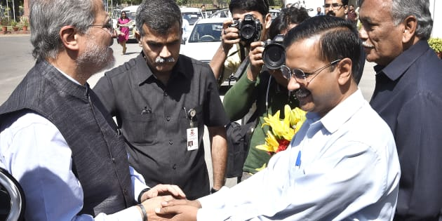 Chief Minister Arvind Kejriwal and Delhi Vidhan Sabha Speaker Ram Niwas Goyal welcome the Lieutenant Governor Najeeb Jung as they arrive to attend the 3rd Session of 6th Legislative Assembly and addressing MLAs at National Capital, on March 22, 2016 in New Delhi.