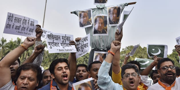 Members of Shiv Sena protest against the killing of 17 Indian Soldiers by terrorists and demanding action against Pakistan, at Teen Murti, on September 19, 2016 in New Delhi, India. (Photo by Sanjeev Verma/Hindustan Times via Getty Images)