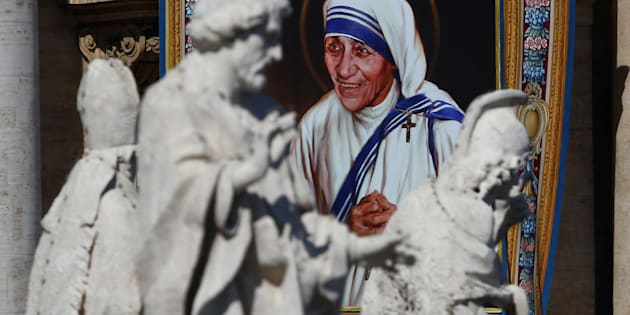 A tapestry depicting Mother Teresa of Calcutta is seen in the facade of Saint Peter's Basilica during a mass, celebrated by Pope Francis, for her canonisation in Saint Peter's Square at the Vatican September 4, 2016.