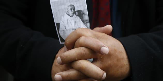 Saint-Etienne-du-Rouvray: Suivez la cérémonie d'hommage au père Jacques Hamel, en présence de Macron