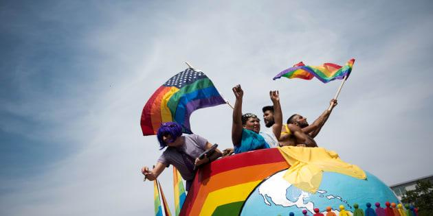 Des participants à la Gay Pride de Berlin le 23 juin.