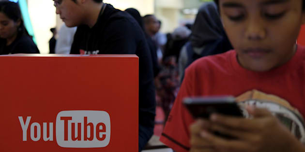 People attend the YouTube Fanfest in Jakarta, Indonesia, October 23, 2016. REUTERS/Beawiharta