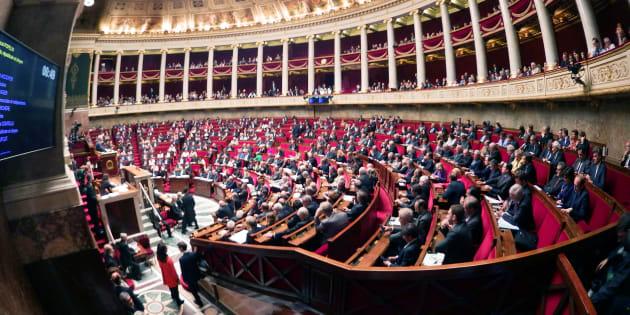 Vue générale de l'Assemblée nationale durant une session de questions au gouvernement en mai 2016.