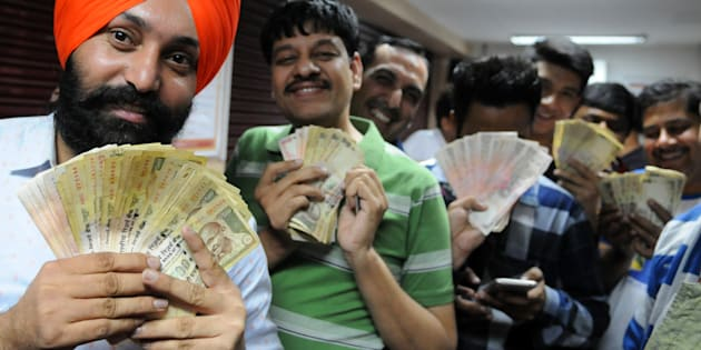 People in queue at an ATM for deposit their 500 and 1000 rupee notes at Phase 7 on November 8, 2016 in Mohali, India.