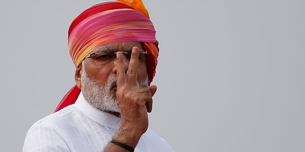 Prime Minister Narendra Modi gestures as he addresses the nation from the historic Red Fort during Independence Day celebrations in Delhi, India, August 15, 2016. REUTERS/Adnan Abidi