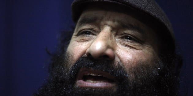 Syed Salahuddin, the top commander of the Hizb-ul-Mujahideen, the biggest Kashmiri militant group, is photographed during an interview with Reuters in Rawalpindi near Pakistan's capital Islamabad February 11, 2010.