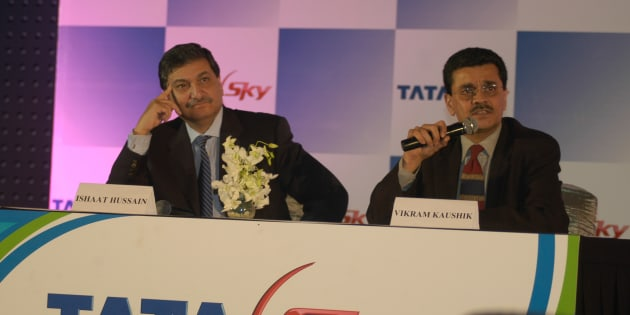 Vikram Kaushik, MD and CEO of Tata Sky with Ishaat Hussain, Chairman, at the launch of DTH satellite television service in New Delhi, India