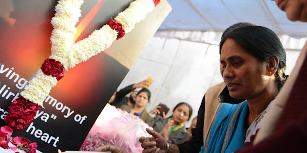 Nirbhaya's mother Asha Devi during floral tribute to 'Nirbhaya' on the occasion of 'Nirbhaya Chetna Diwas' 16 December 2016 Programme Organised by Nirbhaya Jyoti Trust at Jantar Mantar in New Delhi.