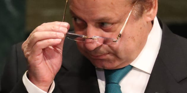 Prime Minister Nawaz Sharif of Pakistan removes his eyeglasses after addressing the United Nations General Assembly in the Manhattan borough of New York, U.S., September 21, 2016.  REUTERS/Carlo Allegri