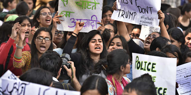 NEW DELHI, INDIA - FEBRUARY 28: During the AISA, JNUTA, and Delhi University Students protest March against ABVP wing after 22feb issue at khalsha Collage to art faculty in Delhi university on February 28, 2017 in New Delhi, India. (Photo by Raj K Raj/Hindustan Times via Getty Images)