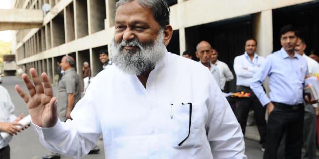Haryana Minister Anil Vij stirs controversy, again.