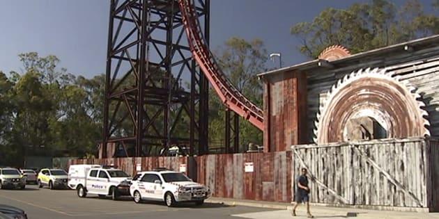 Quatre personnes sont mortes dans l'attraction Thunder River Rapids du parc Dreamworld sur la Gold Coast en Asutralie. Les secours sont rapidement intervenus.