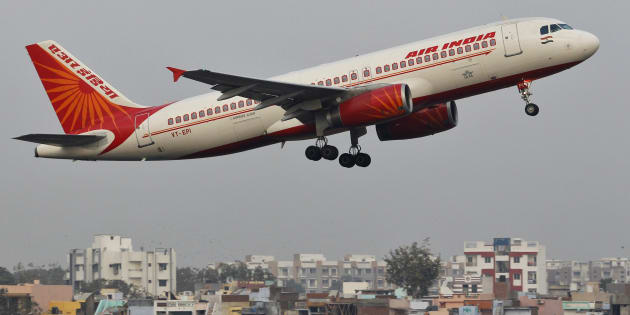 An Air India passenger plane takes off from Sardar Vallabhbhai Patel International Airport in the western Indian city of Ahmedabad January 30, 2013. REUTERS/Amit Dave (INDIA - Tags: TRANSPORT)