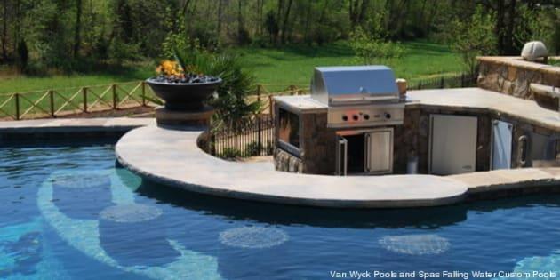 les bars de piscine qui font r ver photos. Black Bedroom Furniture Sets. Home Design Ideas