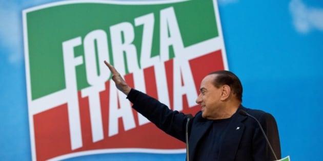 Silvio berlusconi offre a matteo renzi la dolce morte di for Senatori di forza italia