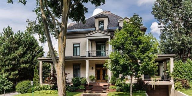 la maison de fran ois legault est en vente pour 4 9m photos. Black Bedroom Furniture Sets. Home Design Ideas