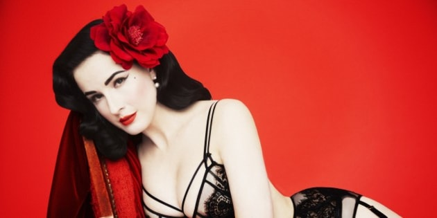 dita von teese says we should be thinking twice about that waist training trend huffpost australia. Black Bedroom Furniture Sets. Home Design Ideas