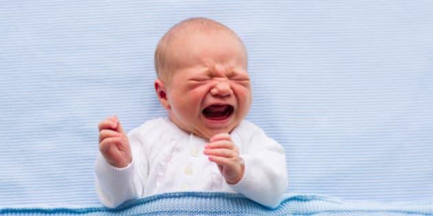 Vous avez d cid de laisser pleurer b b voici ce qui se - Bebe qui veut pas dormir dans son lit ...