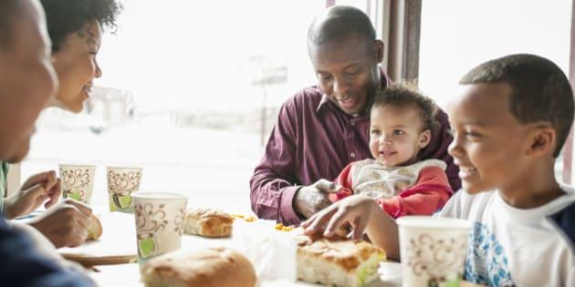Ce que votre place table dit de vous for Repas familial ikea