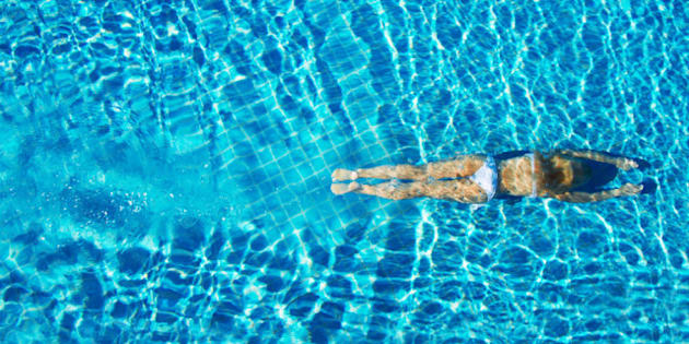 Swimming pool infections why swimmers should be more alert huffpost canada for Molluscum contagiosum swimming pool