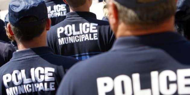 Une voiture de police percut e par un chauffard tue une - Grilles indiciaires police municipale ...