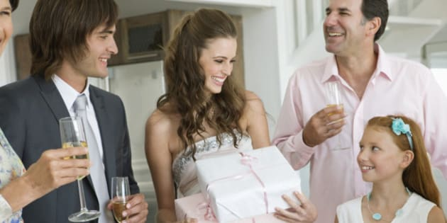 How Much Do I Give For A Wedding Gift: Wedding Gift Costs: How Much Do Canadians Spend