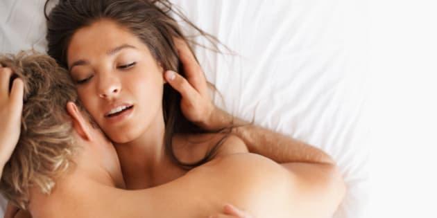femme nue au lit fatal bazooka c une put