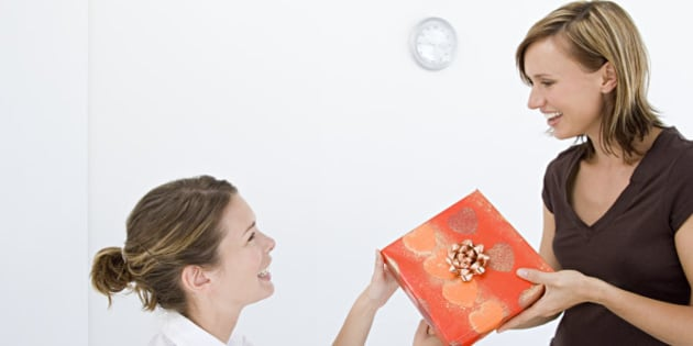 Christmas themed gift exchange ideas under $20