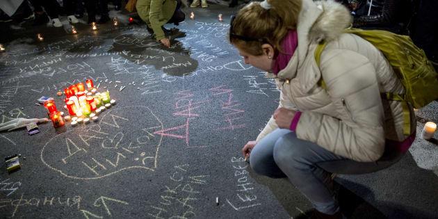 Mujeres búlgaras recuerdan a víctimas de violencia machista en el Día de la eliminación de las violencias contra las mujeres.